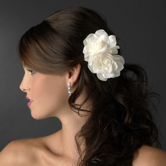 White Graceful Double Flower Special Occasion Comb Hair Accessory