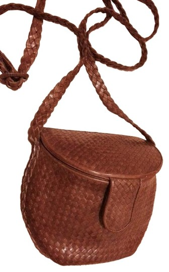 GEM Woven Leather Adjustable Strap Snap Closure Cross Body Bag