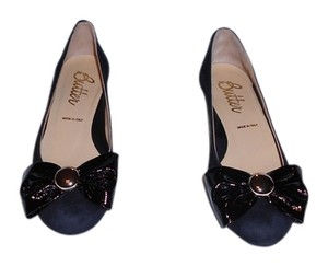 Butter Stencil Bow Made In Italy Black Wedges