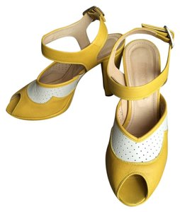 Hobbs NW3 Vintage Italian Leather Yellow Sandals