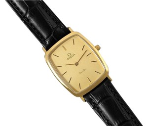 Omega 1980's Omega De Ville Vintage Mens Ultra Thin Dress Watch - 18K Gold Plated and Stainless Steel