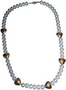 Pearl Look Necklace w/ Gold Hearts