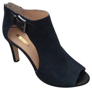 Louise et Cie Navy Pumps