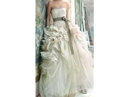 Vera Wang Ivory Organza Hayley Modern Wedding Dress Size 6 (S)