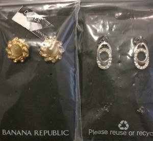Banana Republic 2 Pairs Of Earrings