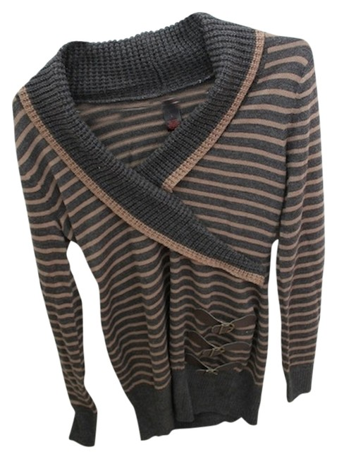 Preload https://img-static.tradesy.com/item/1273495/jj-basics-gray-and-tan-stripe-fall-sweaterpullover-size-12-l-0-0-650-650.jpg