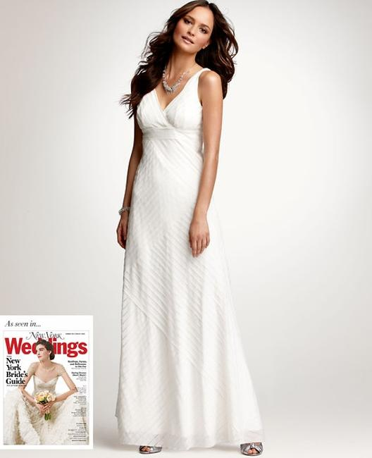 Item - Ivory Silk Strips V-neck Gown Casual Wedding Dress Size 6 (S)