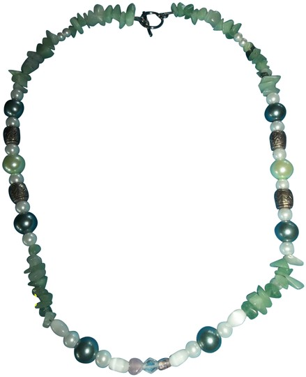 Preload https://item4.tradesy.com/images/unknown-jade-green-pearl-pink-and-silver-beads-1274238-0-1.jpg?width=440&height=440