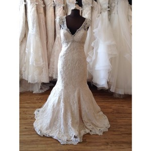 Allure Bridals Iv/Light Gold Lace Formal Wedding Dress Size 8 (M)