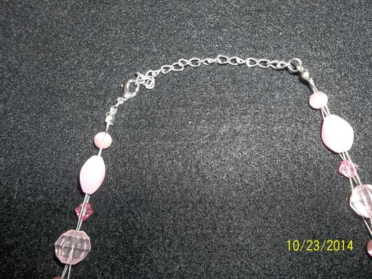 Other Pink Flower Shell Pendant w/ Pink Beads
