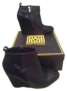 Pour La Victoire Wedge Date Night Girls Night Black Napa/Pony Hair On Boots