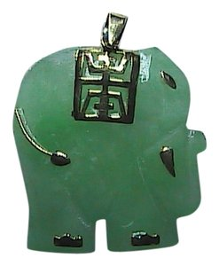 Vintage 14k Yellow Gold Translucent Good Luck Elephant Pendant