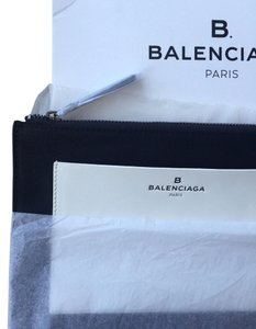 Balenciaga Balenciaga Rare White Pochette Handcrafted In Paris With Zipper Make Up Black Clutch