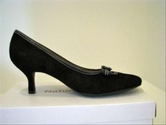 Naturalizer Black Pumps