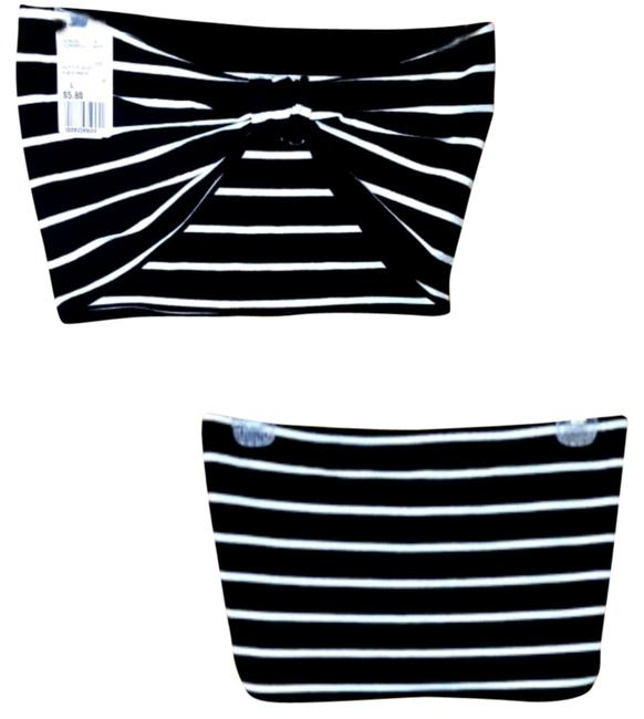 Preload https://item4.tradesy.com/images/forever-21-tank-top-black-and-white-1277323-0-0.jpg?width=400&height=650