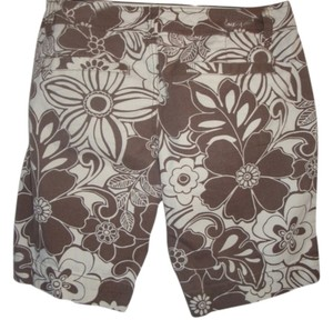 Aéropostale Daisy Floral Twill Hipster Bermuda Shorts brown white