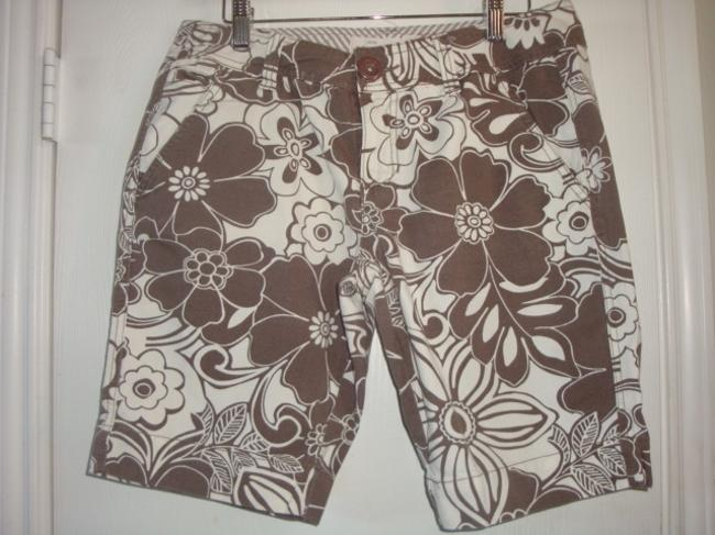 Aéropostale Brown Daisy Floral Twill Hipster Bermuda Shorts brown white