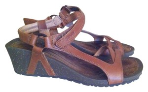 Teva Walking Leather Wedge Brown Sandals