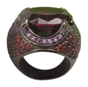 It's very quality n beautiful ring