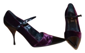 Prada Black/purple Pumps