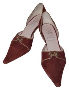 Jane Brown Cranberry Pumps