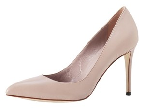 Gucci Leather Pointed Toe Pump - Nude Pumps