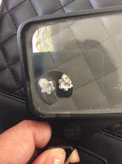 Other 18 K white gold in.50 carat each