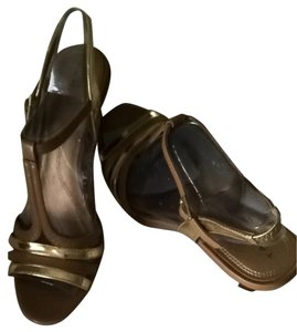 Elie Tahari by Arthur S. Levine Tan Sandals