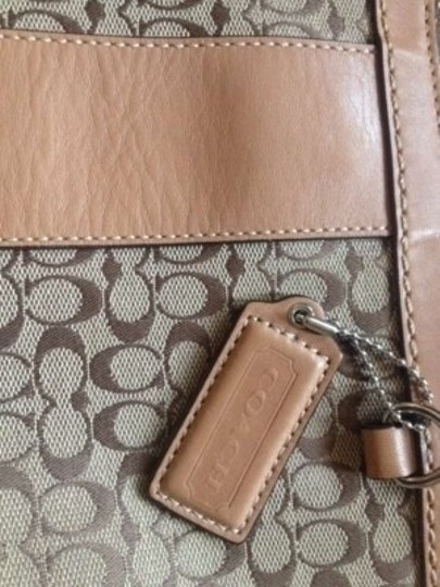 Coach Tote in Tan Beige Brown