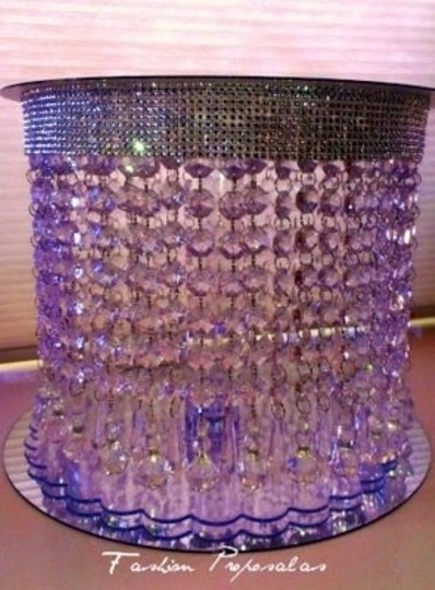 Preload https://item3.tradesy.com/images/clear-crystal-acrylic-stand-cake-topper-128057-0-0.jpg?width=440&height=440