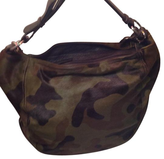 Preload https://item4.tradesy.com/images/abro-mustard-and-green-army-print-pony-skin-shoulder-bag-1280768-0-0.jpg?width=440&height=440