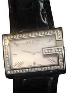 Gucci Women's .9 Ct GUCCI watch With Tags YA100312