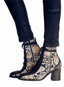 Free People Verrico Leopard 38 Stunning European Styling Boots