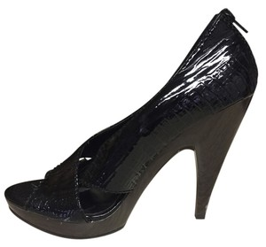 Steven by Steve Madden Shiny Black Pumps