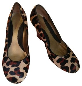 Kenneth Cole Reaction Animal Print /red Wedges