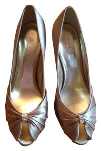 ALDO Gold / Champagne Pumps