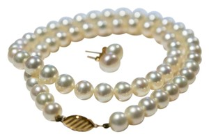 Kiku Pearl Jewellery White freshwater pearl necklace and earring set