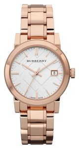 design de qualité 70785 6a576 Burberry Gold Watches - Up to 70% off at Tradesy