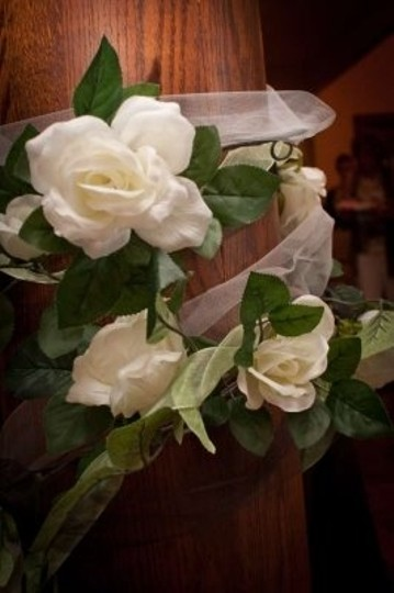 White 4 Rose Garlands Ceremony Decoration