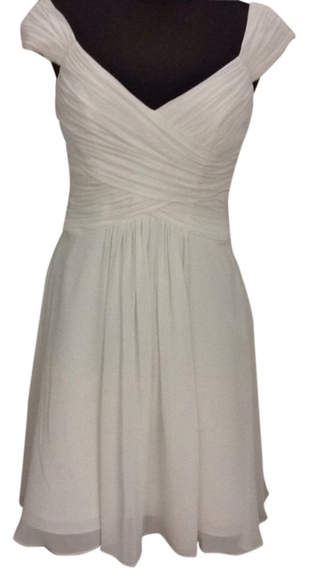 Item - Ivory 5017sch Knee Length Cocktail Dress Size 6 (S)