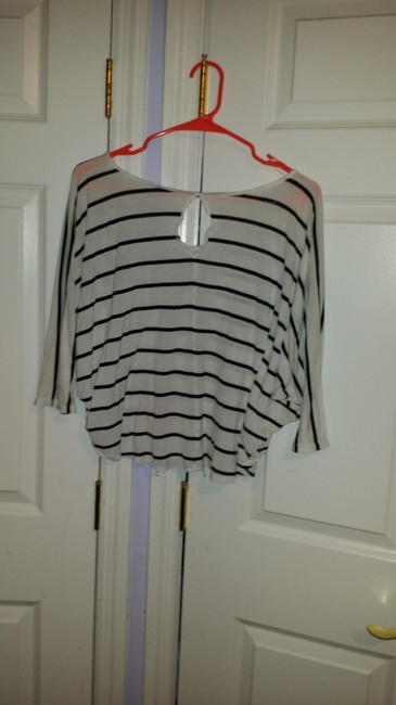 Express Cotton Casual Limited Edition Comfortable T Shirt White w/ Black Stripes