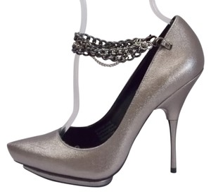 Rock & Republic Alayna Pewter Pumps
