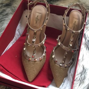 Valentino Tan Pumps