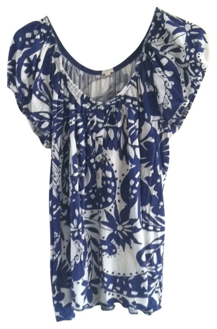 Preload https://item5.tradesy.com/images/jcrew-blue-and-white-floral-print-tee-shirt-size-12-l-128339-0-0.jpg?width=400&height=650