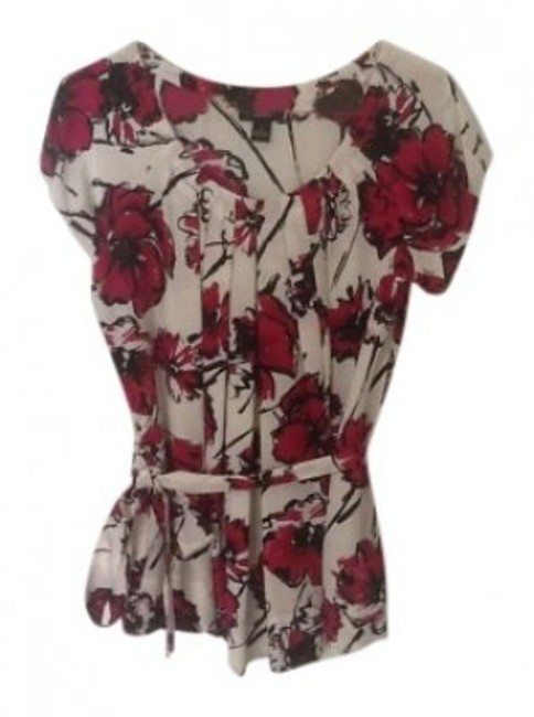 Preload https://img-static.tradesy.com/item/128344/alfani-pink-and-white-short-sleeved-floral-print-blouse-size-6-s-0-0-650-650.jpg