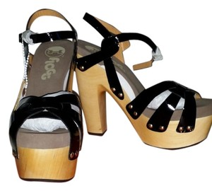 Flogg Black + Tan Platforms