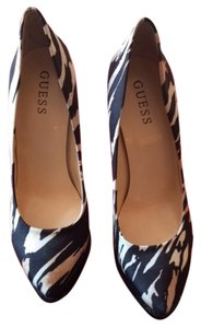 Guess animal print Pumps