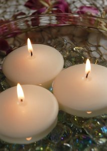 Floating Candles Ivory 2.8' Diameter - Qty 8