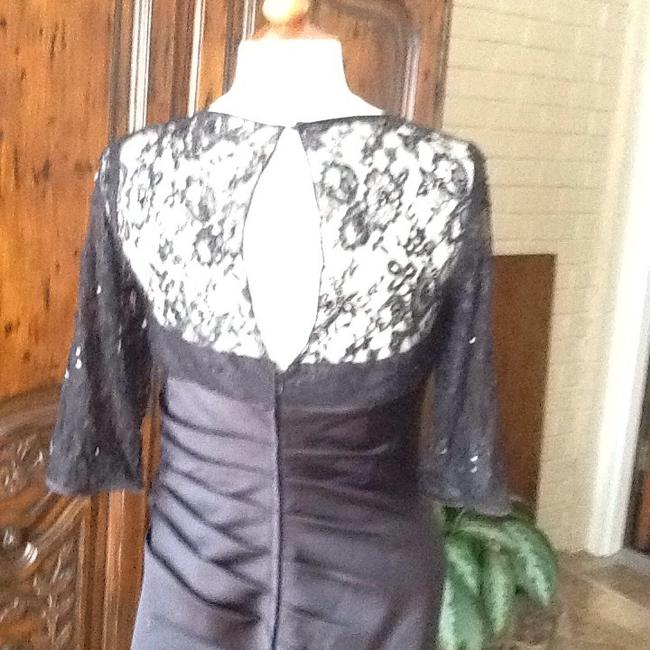 Item - Black Satin Formal Bridesmaid/Mob Dress Size 12 (L)