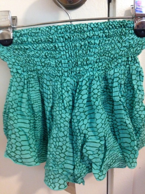 khush Shorts Fish Green
